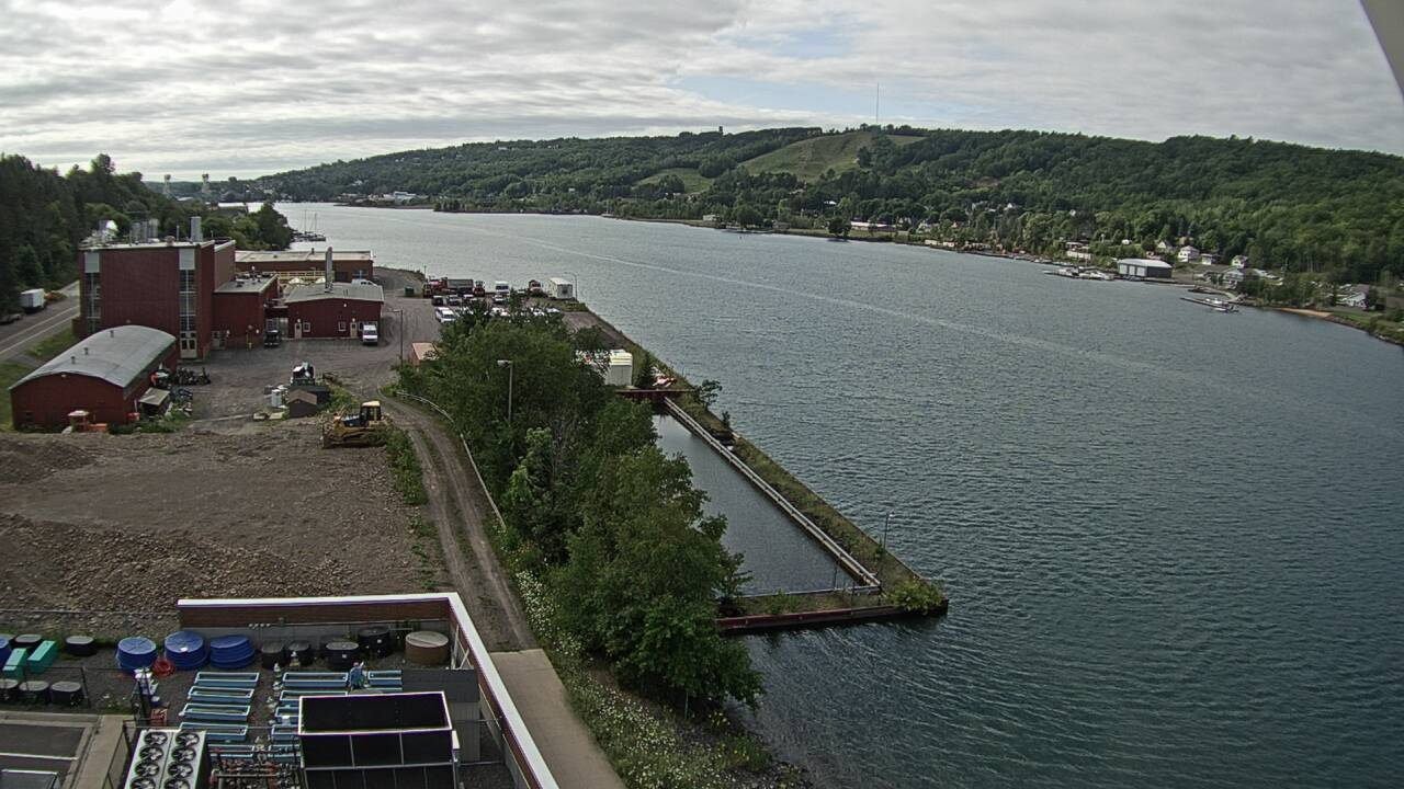 Live stillshot of the West GLRC webcam